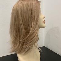 peruki jasne włosy